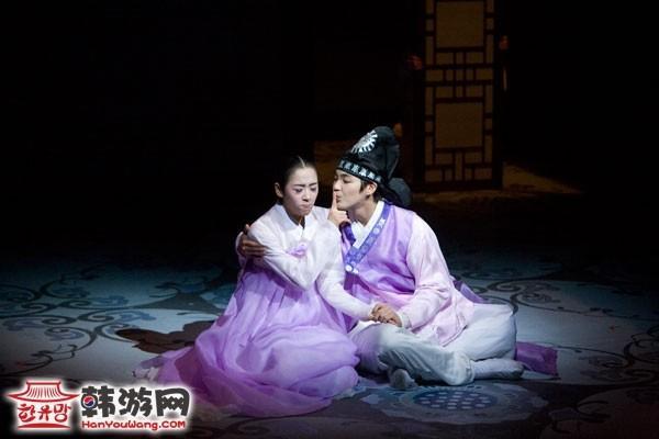 韩国公演美笑1