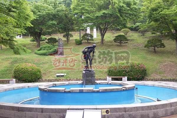 韩国木浦儒达山雕刻公园4