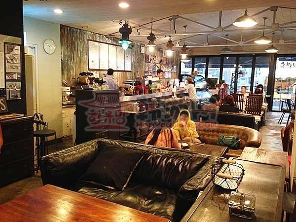 韩国Homeo cafe 古典家具咖啡店11