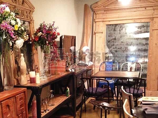 韩国Homeo cafe 古典家具咖啡店13