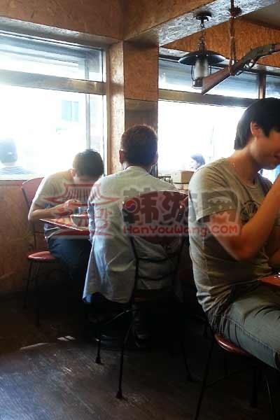 """韩国外大""""鸡博士""""鸡排饭""""料理店14"""
