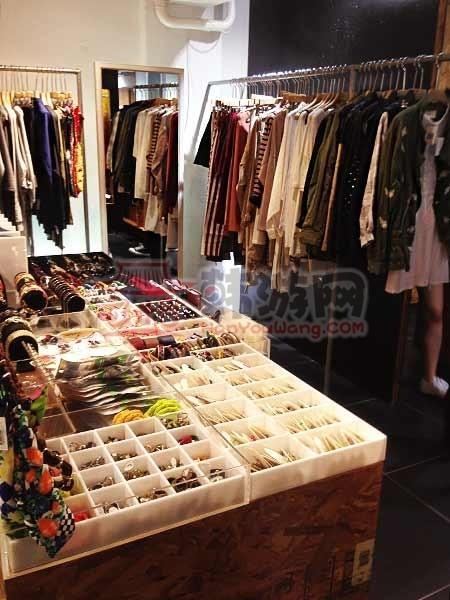 韩国ALAND时尚店明洞总店12