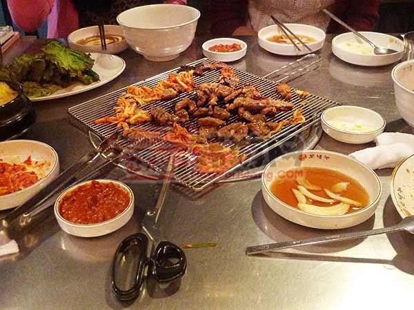 韩国(豚牛)烤肉连锁店回基店4