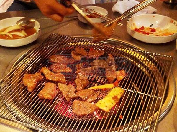 韩国(豚牛)烤肉连锁店回基店9