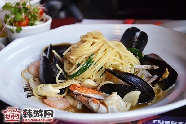 韩国IL Mazzio西餐连锁建大店8