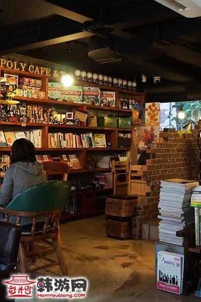韩国弘大POLY CAFE and TEA咖啡甜品店15