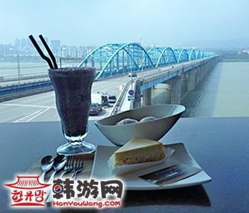 韩国汉江云上咖啡厅