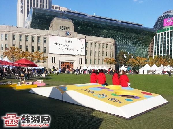 韩国首尔广场秋景图8