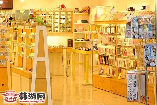韩国明洞Ctrl+A饰品店