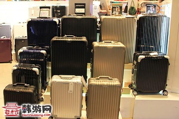 百年经典RIMOWA箱包东大门店11