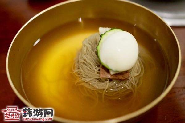 韩国美食新沙洞江西面屋7