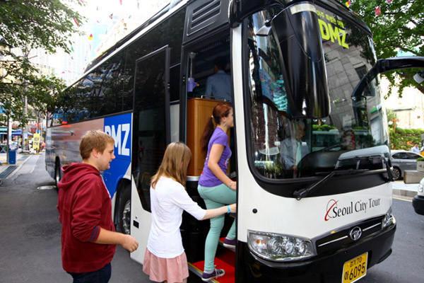 外国人专用DMZ旅游巴士