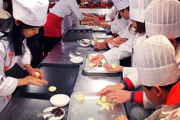韩国汉江游船面包秀在线预订_韩国汉江游览面包秀价格优惠_韩游网