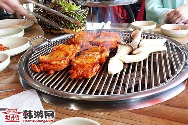 韩国南怡岛山村食堂美食店04