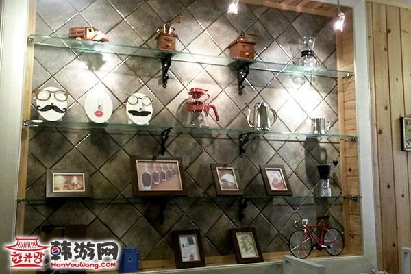 展会墙面贴画-店内展览架-CAFE ING咖啡店