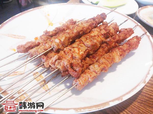 建大松花羊肉串_韩国美食_韩游网
