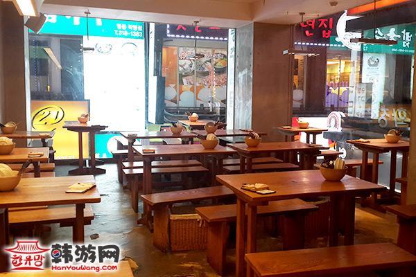 凤雏酱鸡明洞店09