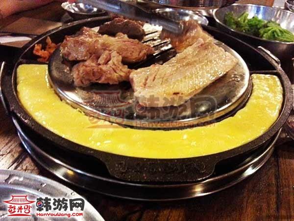 韩国首尔姜虎东烤肉店
