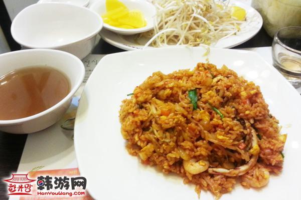 建大Phomons越南米线店美食六