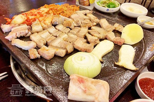 济州岛豚香气烤肉店09