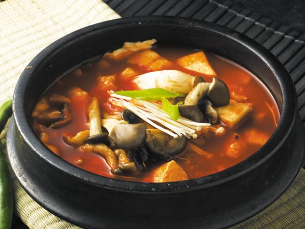 明洞庭院嫩豆腐汤_韩国美食_韩游网