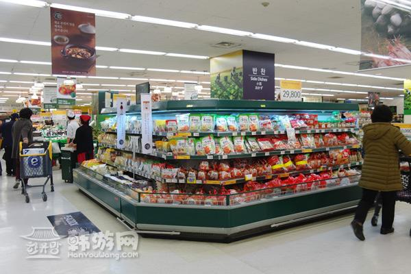 以下是分布在各个区域的易买得超市卖场及交通方式和营业