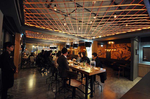 Premium Café炸鸡扎啤店