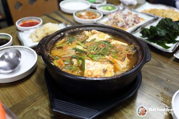 作为套餐,还选择了鲜辣鱼汤.        来自人气网友:heedong图片