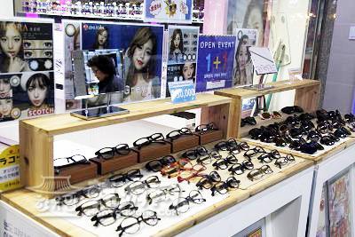 弘大LENS TOWN PIEL隐形眼镜专卖店