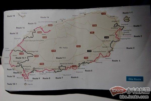 还送了两张英文版地图,并用笔画好了推荐徒步路线,就是想帮助我,也没