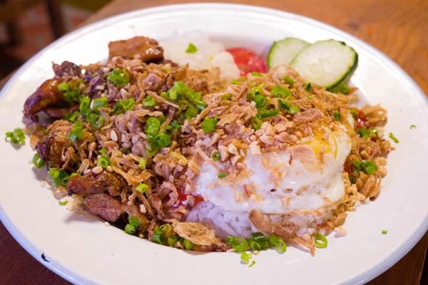 LeHoi越南料理店鸡肉盖饭