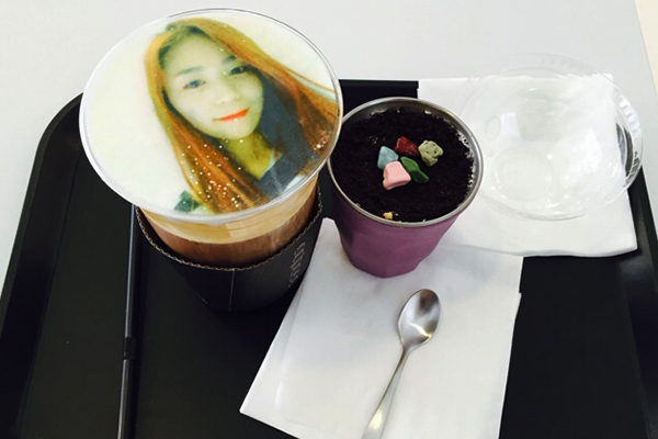 韩国弘大可以打印照片的caFACE咖啡9