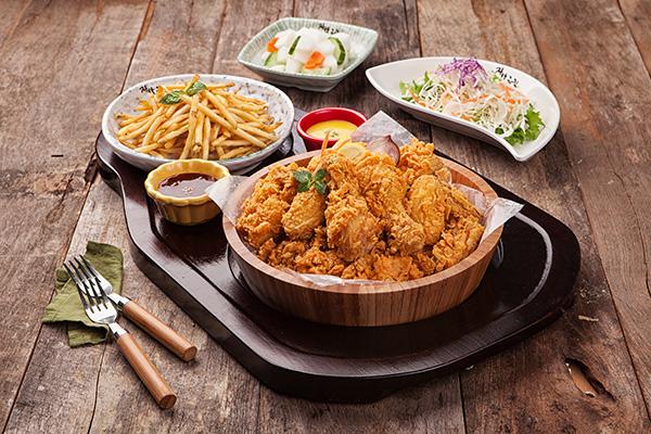 自然装的炸鸡韩式料理_韩国美食_韩游网