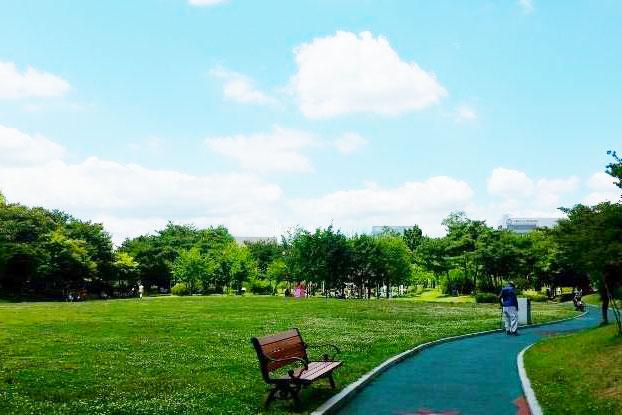 韩国首尔瑞草区蒙马特公园_韩国景点_韩游网