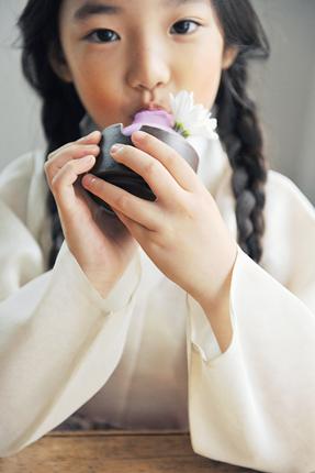 """钟路""""CAFE BORA""""有机紫薯冰淇淋店_韩国美食_韩游网"""