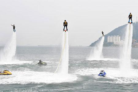 海上秀-喷水滑板.jpg