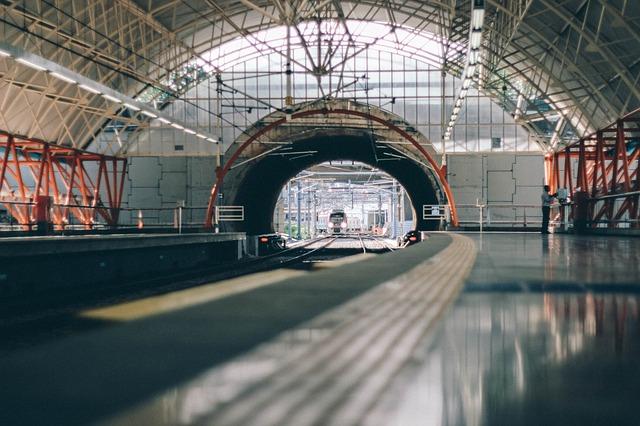 地铁旅行.jpg