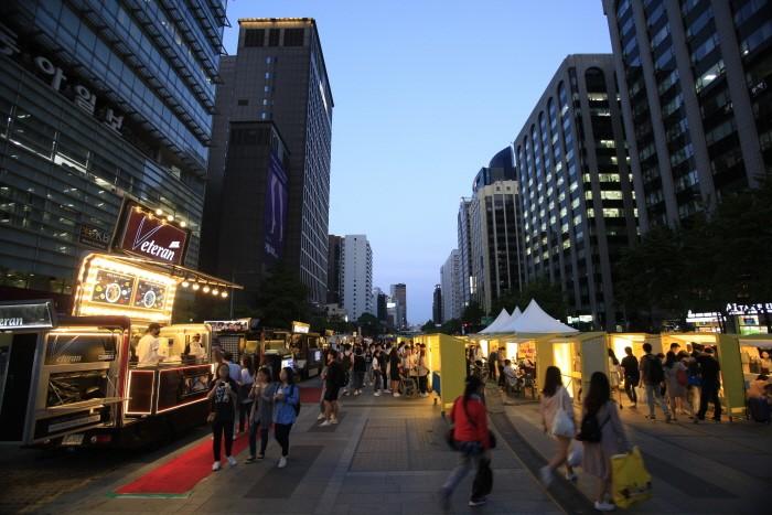 清溪广场季节集市2.jpg