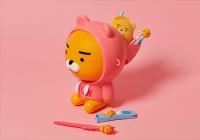 """Kakao Friends推出粉帽衛衣""""Ryan爆米花桶"""",不但可愛還具有多功能用途"""