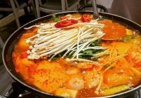 這款戰爭中誕生的韓國美食,幾十年過去了怎麼還是那麼受寵!