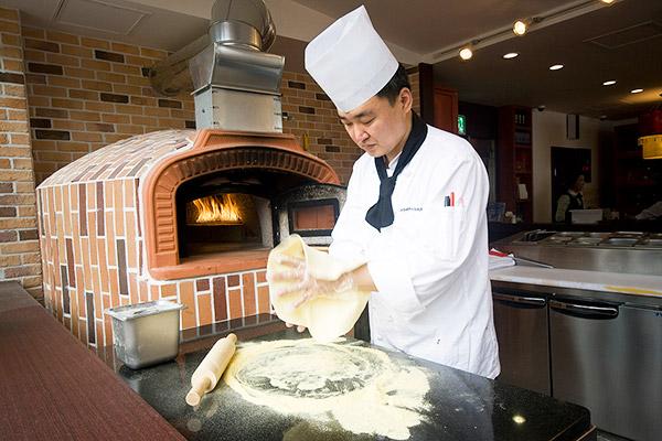 济州岛烤烤火炉披萨/面包_韩国美食_韩游网