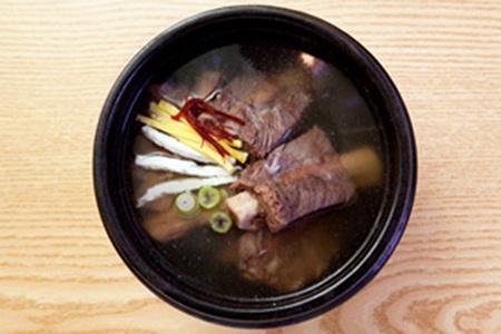 明洞海鲜汤&酱蟹&熊冷面_韩国美食_韩游网