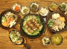 """市厅""""Hangaram""""韩餐店"""