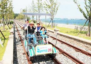 仁川永宗岛海边铁道自行车