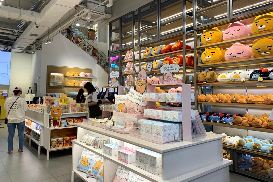 KAKAO FRIENDS SHOP(弘大店)_韓國購物_韓遊網